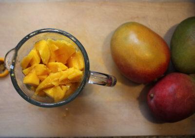 Cutting a mango in an intelligent way
