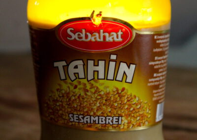 Tahin(a)