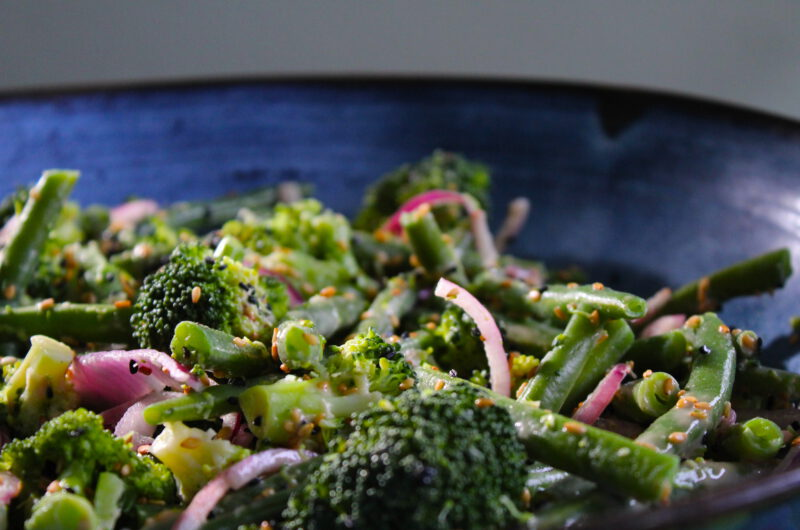 Broccoli salad with sweet tahin dressing