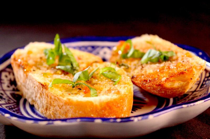 Bruchetta met olijfolie en tomaat