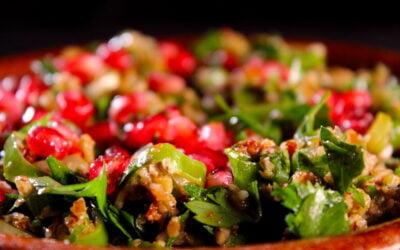 Salade van olijven en noten