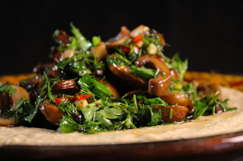 Hummus royale with roasted garlic and mushrooms