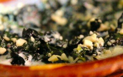 Cavolo nero met sumac yoghurt en amandelen