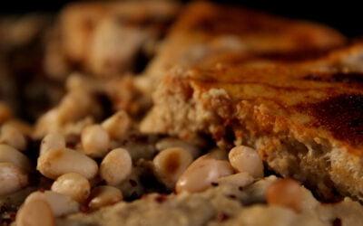 Warme, ja echt, warme hummus met gebakken brood