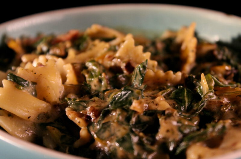 Pasta with chard and cream sauce