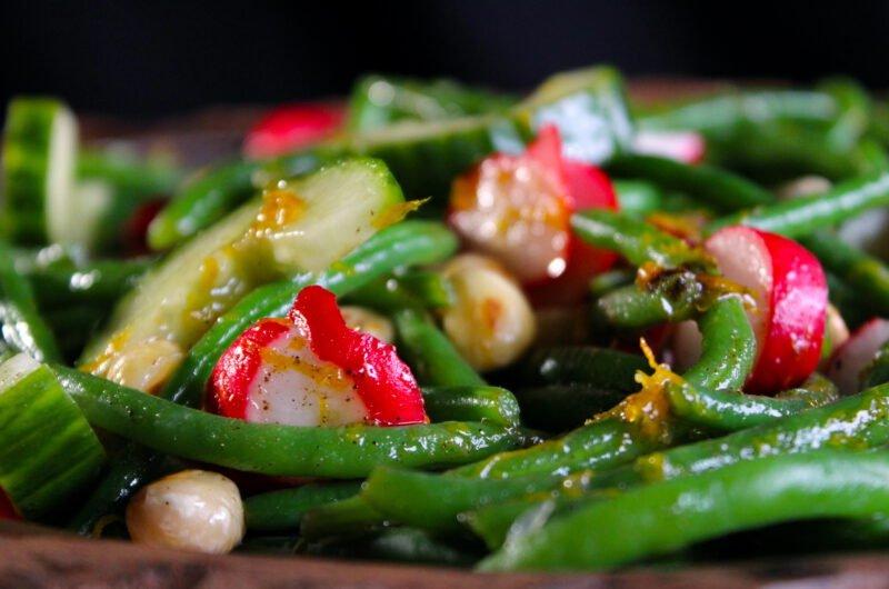 Haricots verts salad with hazelnuts