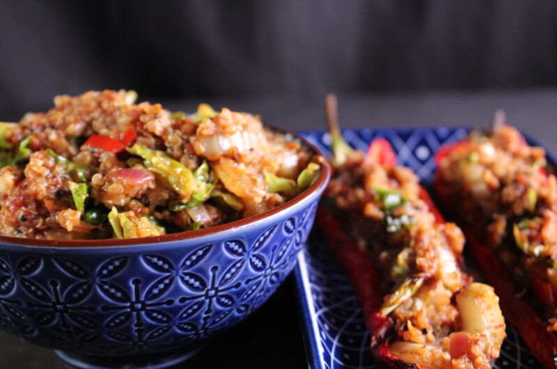 Stuffed pointed pepper with spicy quinoa